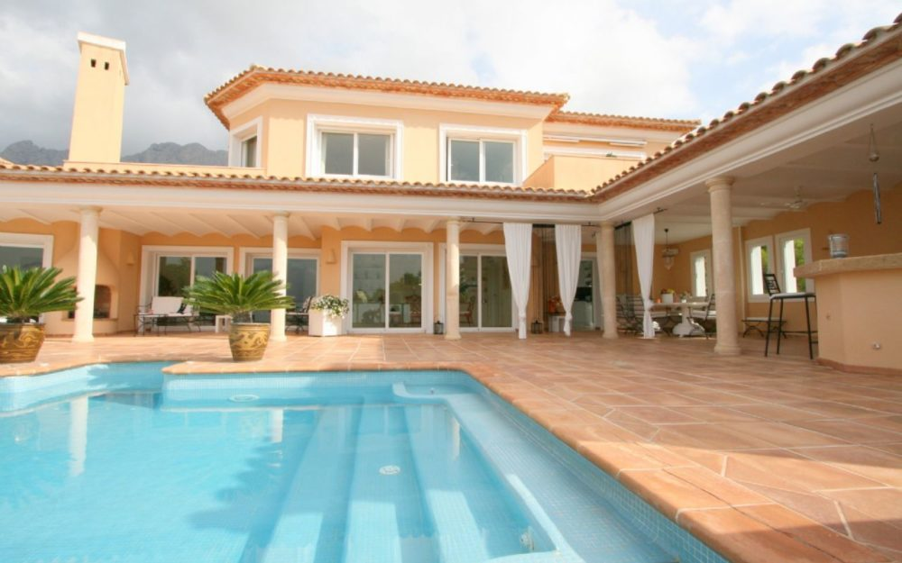 Luxury Villa with private access to the Golf course – Altea