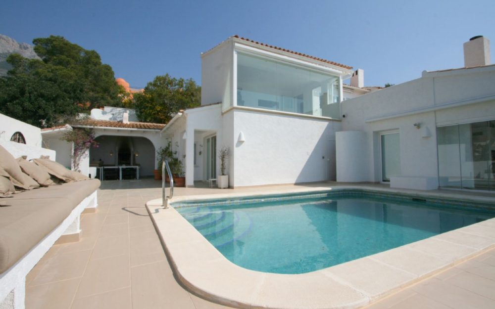 Luxury villa with breathtaking panoramic views for sale