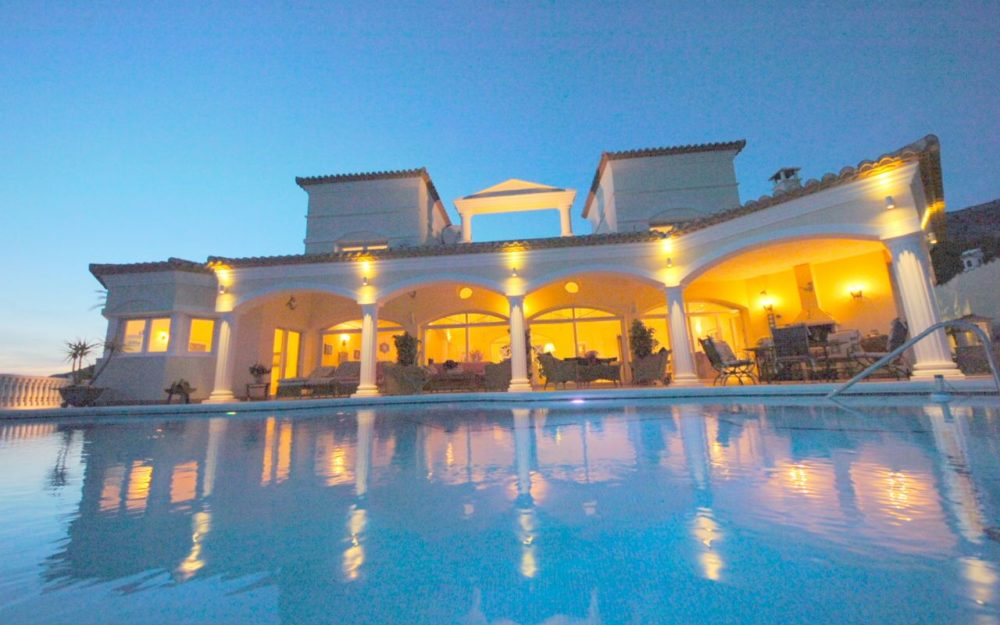 Villa with 4 bedrooms and seaviews