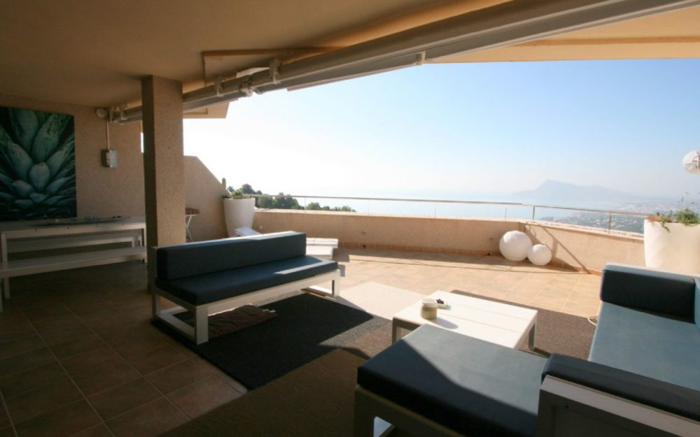 Exclusive designer apartment in luxury residential with sea views