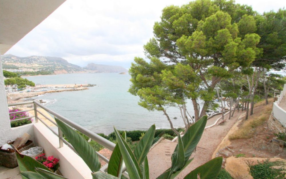 Luxury apartment first line in Altea for sale