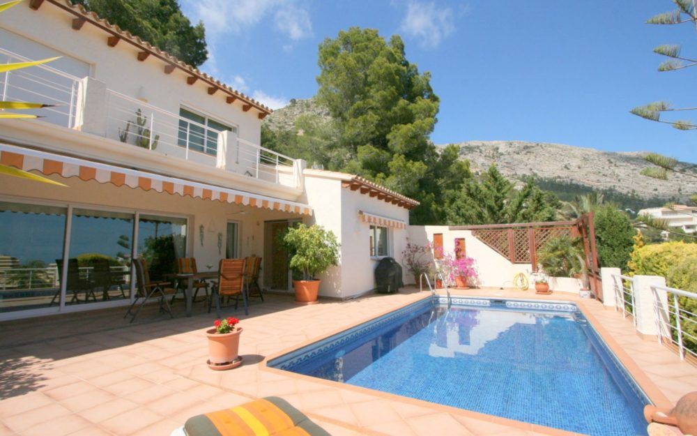 Nice large Villa for sale in the Sierra de Altea