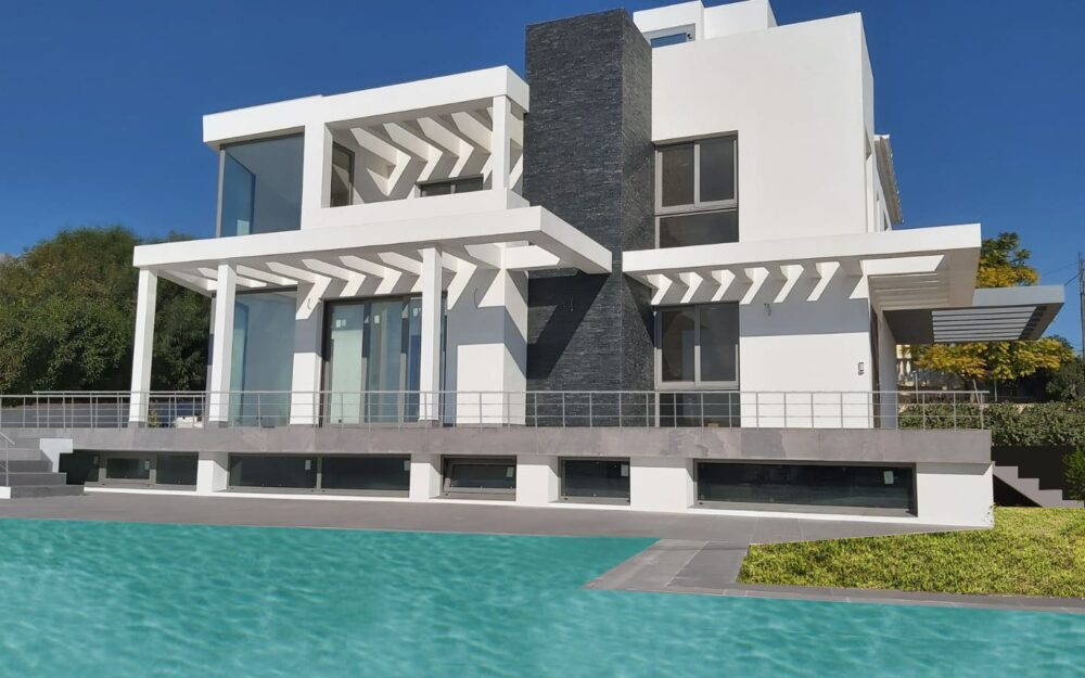 Spectacular New construction: Modern villa with unique features in great location in La Nucia for sale